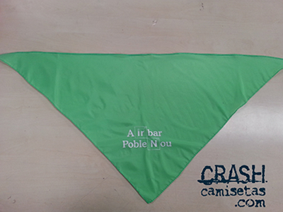 Pañuelo diseño AIRBAR BCN, de poliester 100x70x70cms marcado a 1 tinta.
